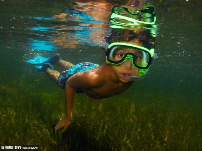 教你如何在水下拍摄精彩照片