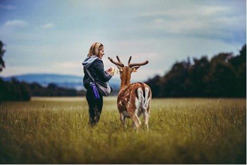 旅行摄影中的唯美纪实与自拍技巧