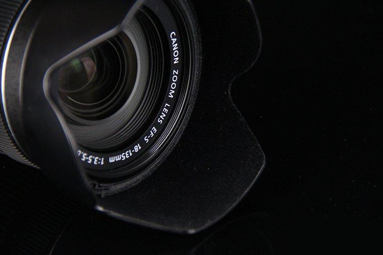 摄影新手买单反选套头好吗?