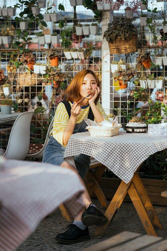 如何在咖啡馆拍清新人像?
