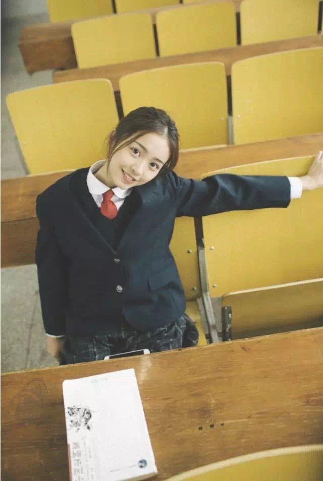 如何拍摄校园日系制服写真