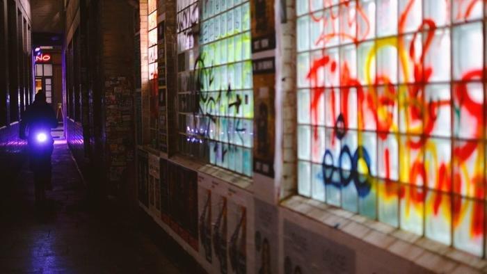 夜晚街拍教你拍出迷幻的都市空间